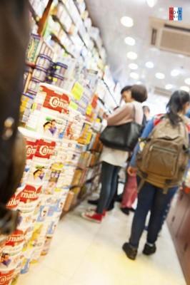 尖吵咀中的藥房,香港有那麼多人在新年時期生病嗎?